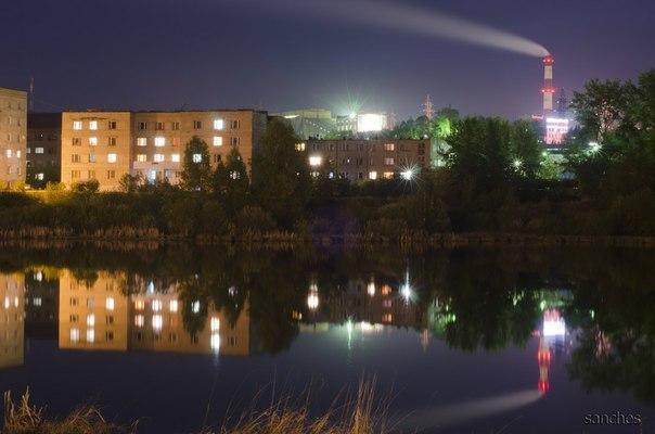 Общежитие. вид со стороны озера.